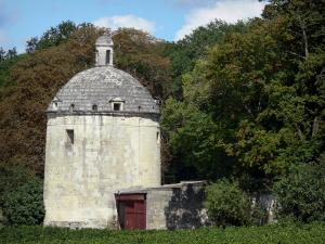 Château de Brézé - Dovecote and trees