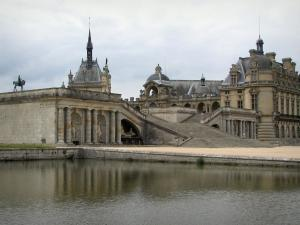 Château de Chantilly - Château, home to the Condé museum, Grand Degré (large staircase) and ornamental lake