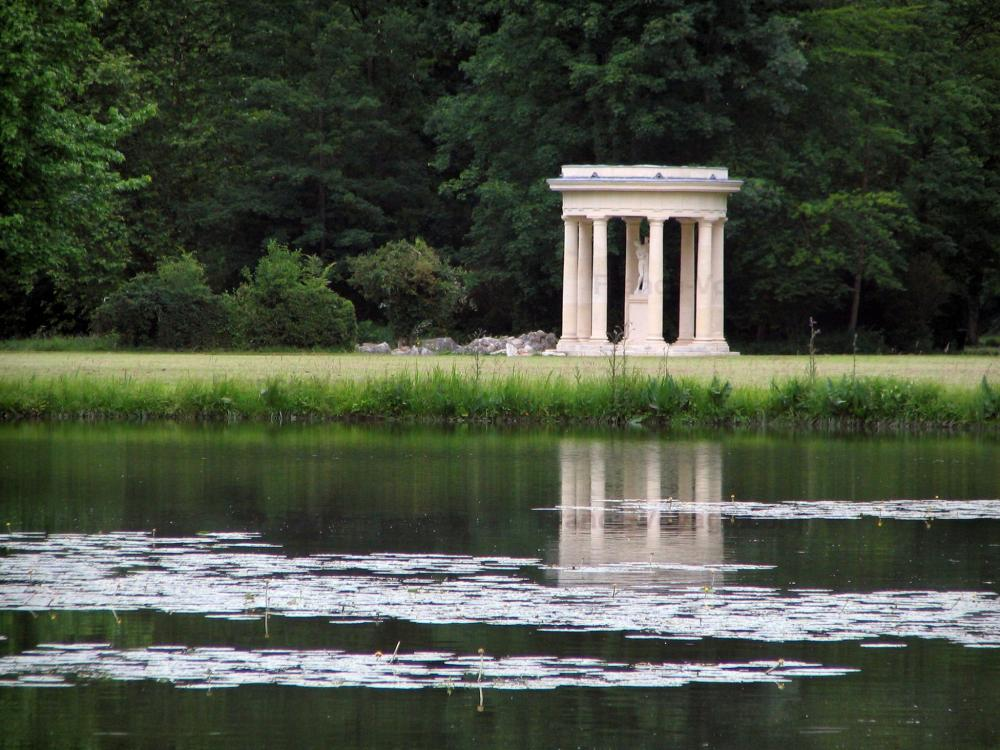 Photos le ch teau de chantilly guide tourisme vacances for Jardin anglais chantilly