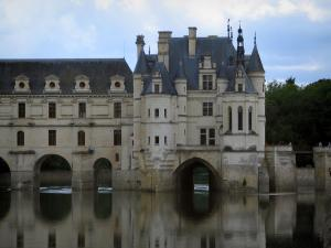 Château de Chenonceau - Renaissance château (Dame castle) with its two-floor gallery and its bridge on the River Cher