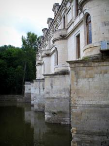 Château de Chenonceau - Bridge and gallery of the castle on the River Cher