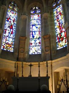 Château de Chenonceau - Inside of the chapel and its stained glass windows