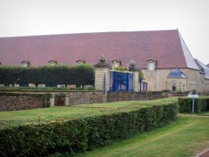Château de Drée - Outbuildings and grating at the entrance to the Château; in Curbigny