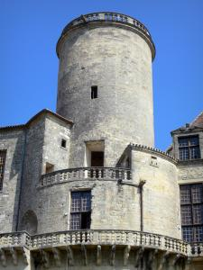 Château de Duras - Tower of the château