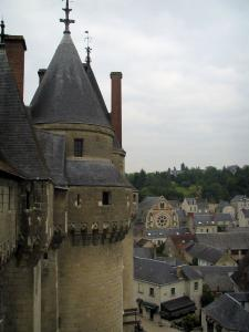 Château de Langeais - Tower of the fortress with view of the houses of the city