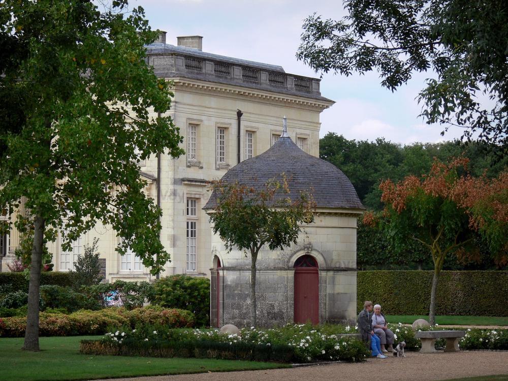 Photos le ch teau de pignerolle guide tourisme vacances for Les 5 jardins saint barthelemy d anjou