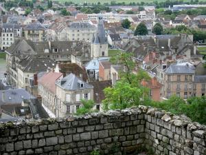 Château-Thierry - View of the Balhan tower and the roofs of the town from the ramparts of the old castle