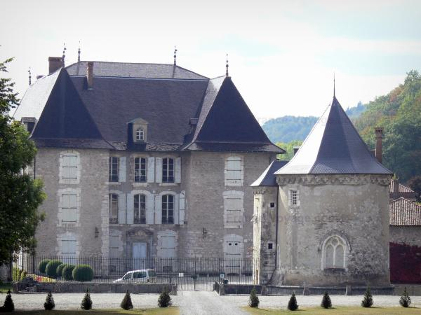 Château du Touvet - Chapel and facade of the château; in the town of Le Touvet in Grésivaudan