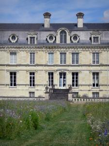 Château de Valençay - Facade of Classical style and patchwork of meadow flowers in the park