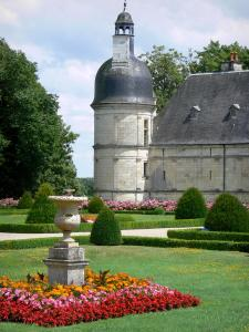Château de Valençay - Corner tower of the château and flowerbeds (flowers) of the formal gardens