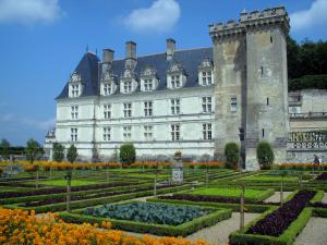 Château de Villandry and gardens - Castle and its keep, vegetable garden (flowers and vegetables) and clouds in the sky
