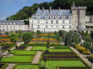 Château de Villandry and gardens - Castle and its keep dominating the vegetable garden (vegetables, flowers and arbours)