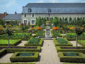 Château de Villandry and gardens - Vegetables and flowers of the vegetable garden