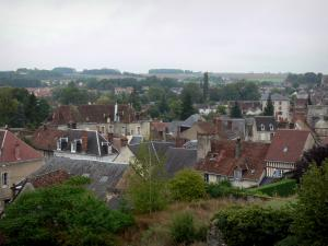 Châteaudun - Houses of the city, in the Loir valley