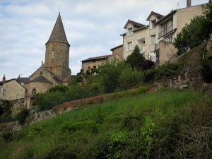 Châteauponsac - Saint-Thyrse church and houses, in Basse-Marche (Gartempe valley)