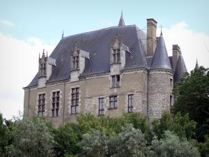 Châteauroux - Facade of château Raoul
