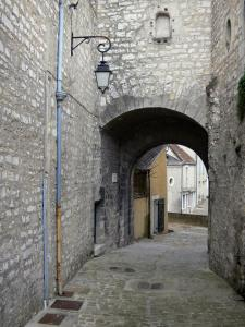 Châteauroux - Saint-Martin gate (gate of the former prison) and alley in the old town