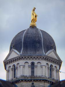 Châteauroux - Dome of the Notre-Dame church topped by a gilded bronze statue of the Virgin