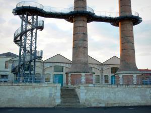Châtellerault - La Manu: chimneys and buildings of the former weapon factory