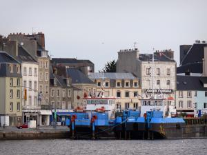 Cherbourg-Octeville - Moored vessels (port), houses and buildings of the city