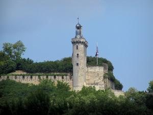 Chinon - Castle: Horloge tower and ramparts