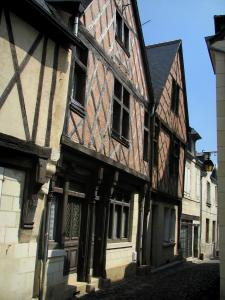 Chinon - Timber-framed houses