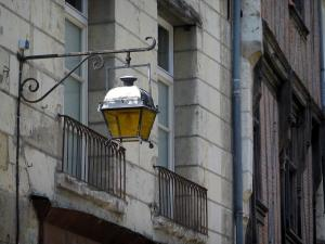 Chinon - Lamppost and facades of houses