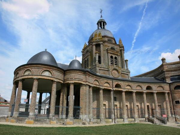 The Church of Asfeld - Tourism, holidays & weekends guide in the Ardennes