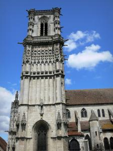 Clamecy - Saint-Martin collegiate church and Gothic tower