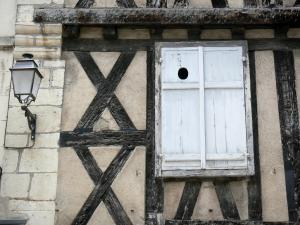 Clamecy - Detail of a half-timbered facade