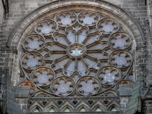 Clermont-Ferrand - Rose window of the Notre-Dame-de-l'Assomption cathedral of Gothic style