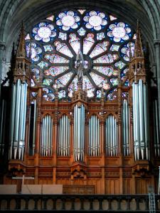 Clermont-Ferrand - Inside the Notre-Dame-de-l'Assomption cathedral of Gothic style: organ and rose window