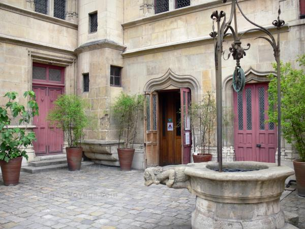The Cluny Museum - Tourism, holidays & weekends guide in Paris