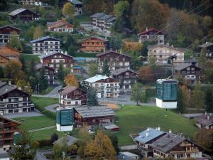La Clusaz - Cable car (ski lift) with view of the chalets of the winter and summer sports resort