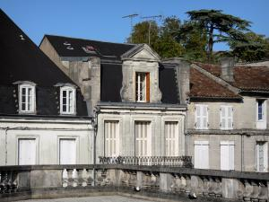 Cognac - Facades of houses