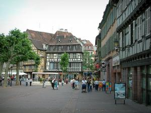 Colmar - Square, half-timbered houses and shops