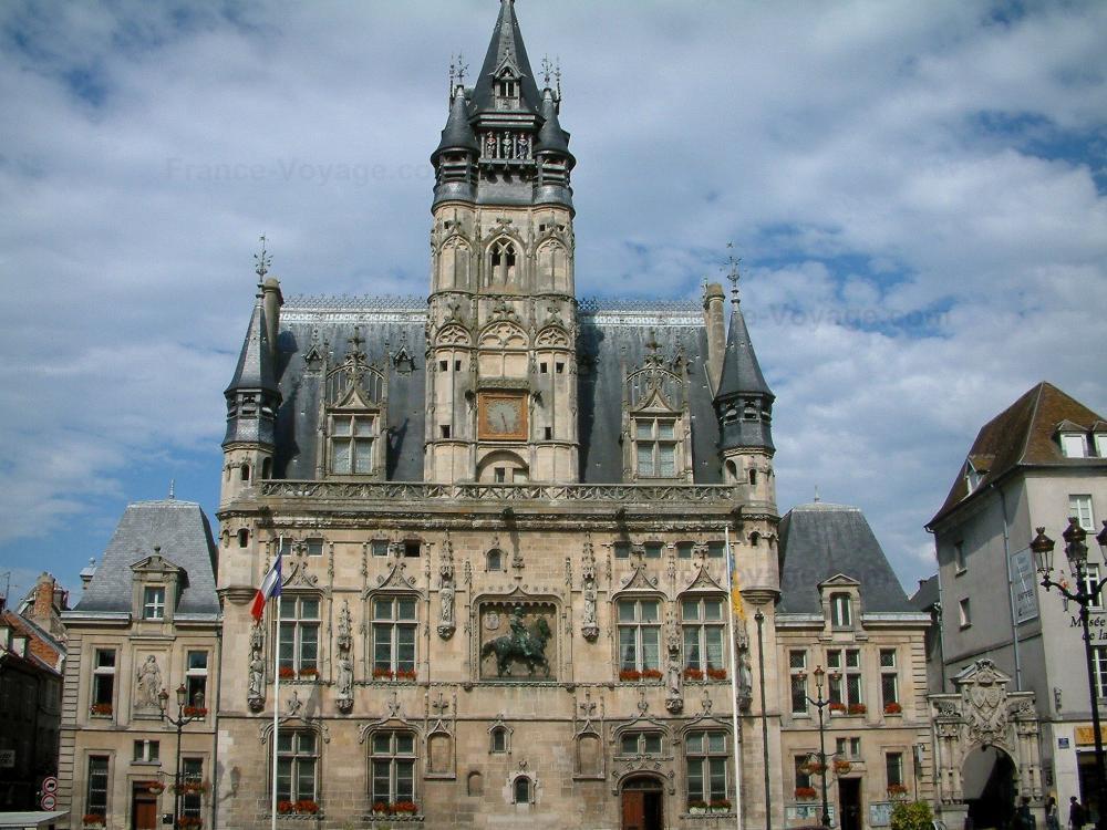 Mairie De Ville Saint Jacques
