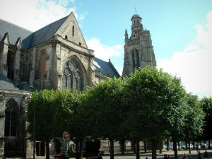 Compiègne - Saint-Jacques church and trees