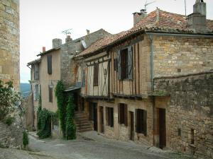 Cordes-sur-Ciel - Timber-framed houses in the medieval town