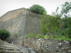 Corte - Staircase leading to the citadel