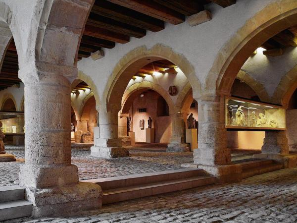The Cour d\'Or Museum - Tourism & Holiday Guide