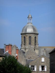 Coutances - Bell tower of the Saint-Nicolas church and houses of the city