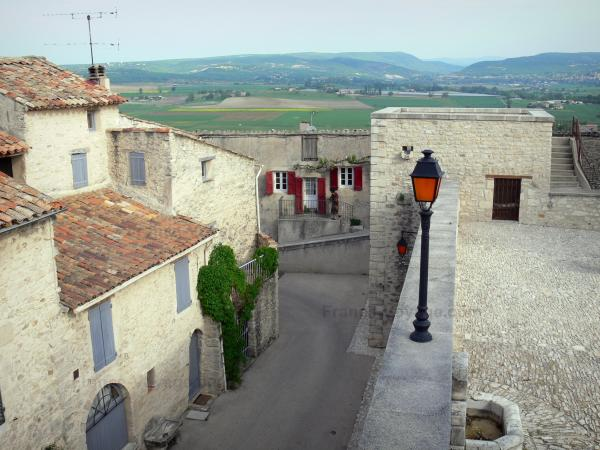Dauphin - Tourism, holidays & weekends guide in the Alpes-de-Haute-Provence