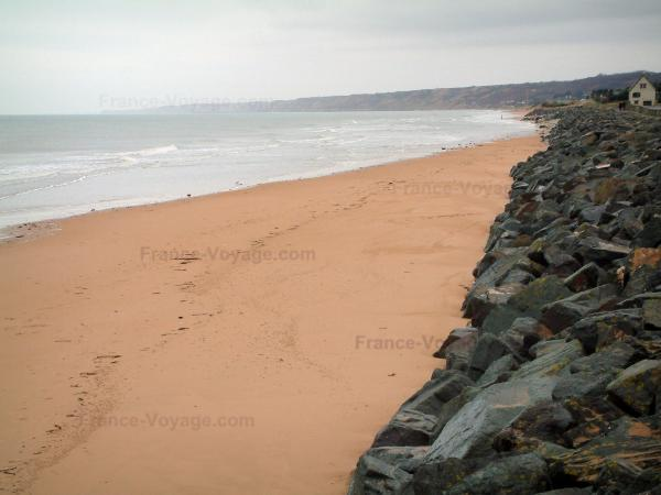 D-Day Landing Beaches - Cliffs, Omaha Beach and the Channel (sea)