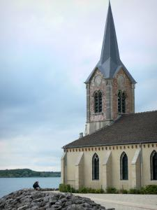 Der-Chantecoq lake - Church of the Champaubert peninsula at the Der lake