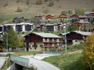 Les Deux Alpes - Chalets and buildings of the ski resort of Les 2 Alpes