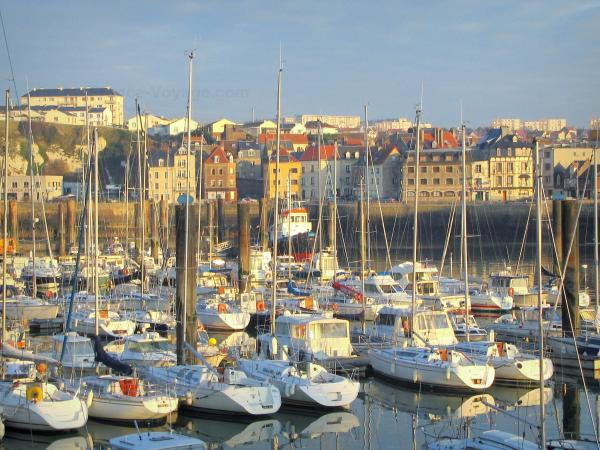 Dieppe - Sailboats (boats) in the port, quay and houses of the city