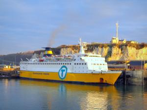 Dieppe - Passenger ship (ferry) and chalk cliff