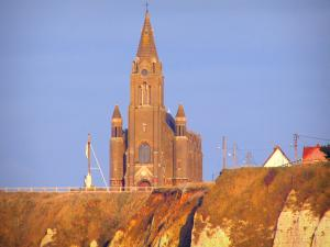 Dieppe - The Notre-Dame-de-Bon-Secours chapel and chalk cliff