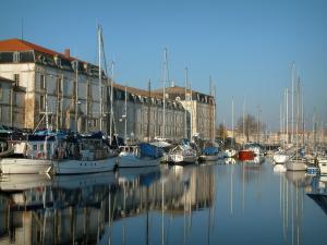 Hotels Saintes Charentes Maritimes